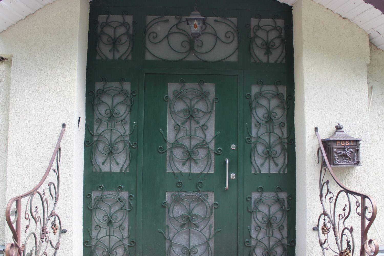 Дверь кованная