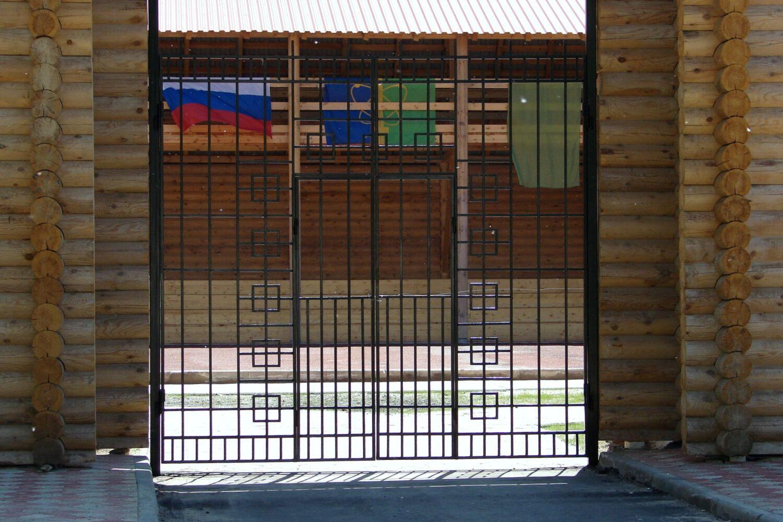Музейные металлические ворота